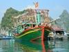 Вьетнам, остров Кат Ба. Рыбацкое судно