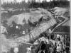 Строители железной дороги на дренажных работах