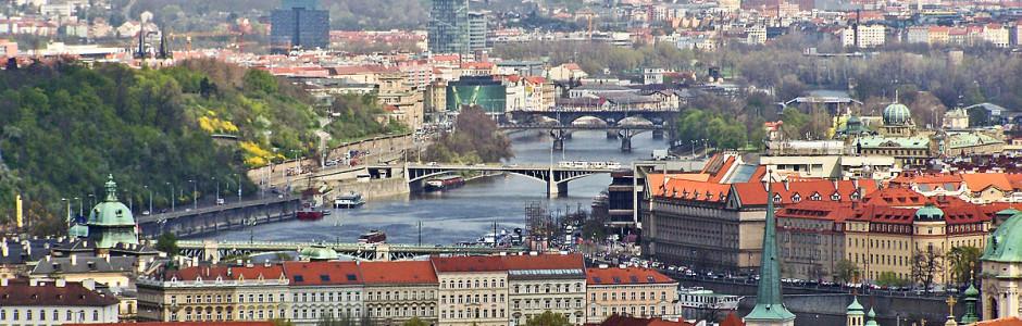 Город сотни башен и одной реки
