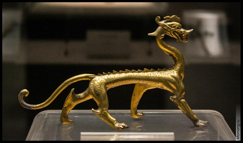 Статуэтка дракона в музее, Сиань