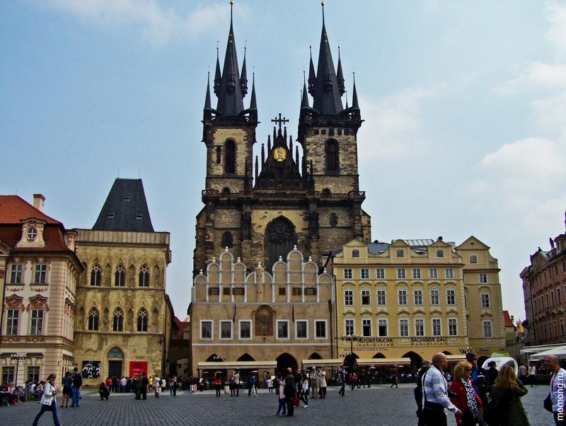 Тынский храм - доминанта Староместской площади, самое узнаваемое место Праги