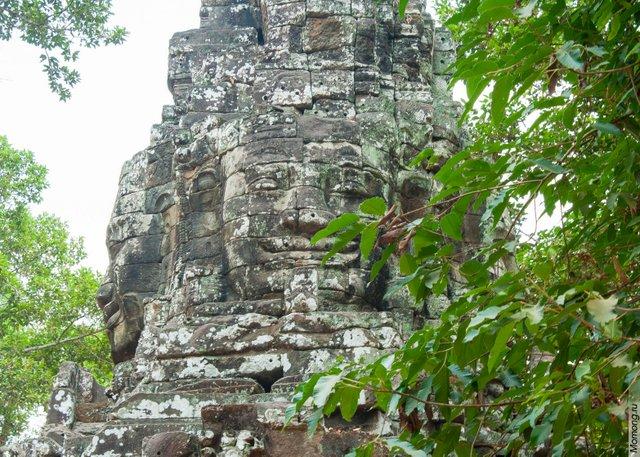Храм Байон знаменит уникальными скульптурами. Ангкор Ват